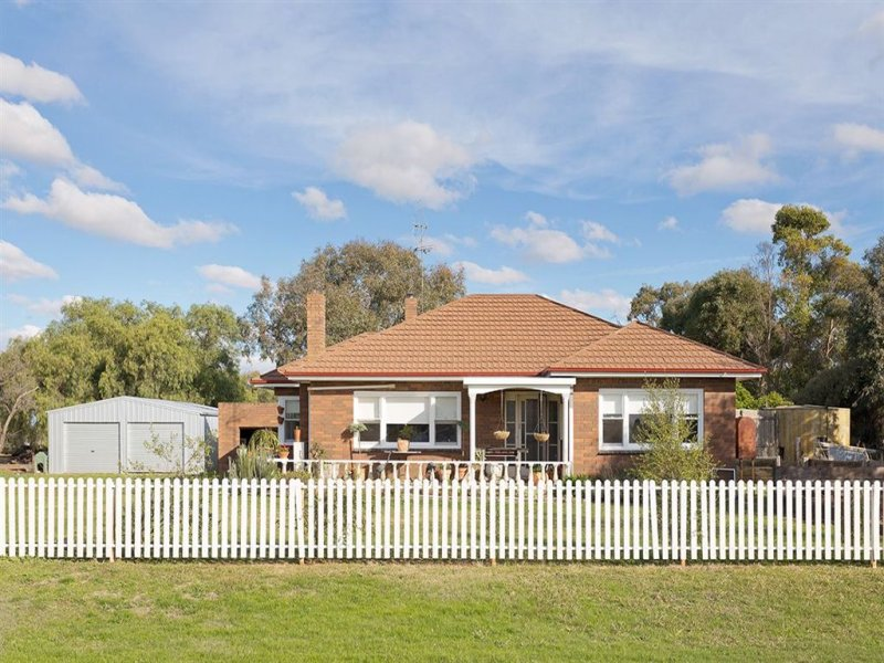 . Pyreneese Hwy/Locks Lane, Moolort, Vic 3465
