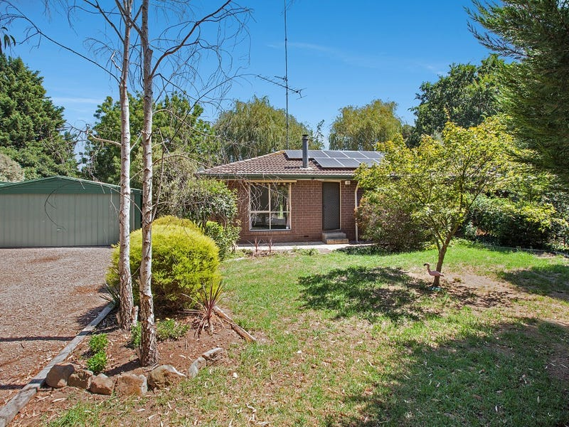 6 Robert Court, Waterford Park, Vic 3658