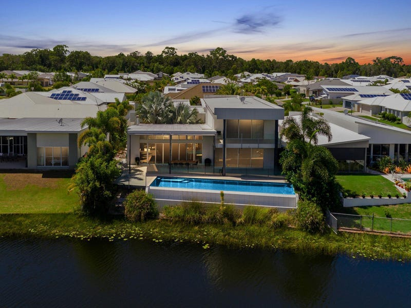 8 Flitcroft Place, Pelican Waters, Qld 4551