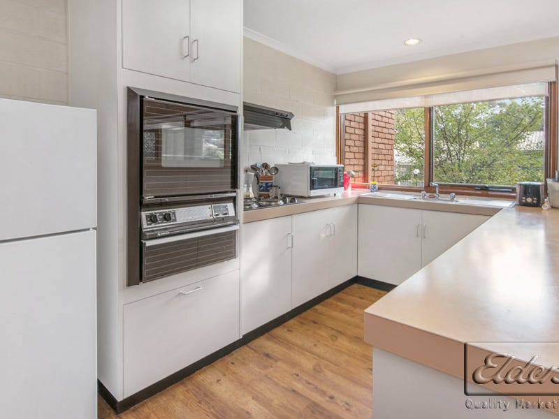1/165 Retreat Road, Spring Gully, Vic 3550