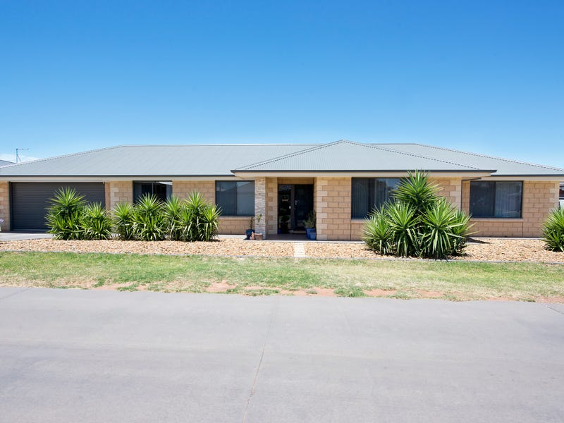 10 Merit Crescent, Swan Hill, Vic 3585
