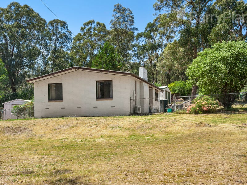 62 Caledonia Street, St Andrews, Vic 3761