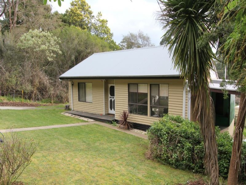 3 Thorpdale Road, Mirboo North, Vic 3871