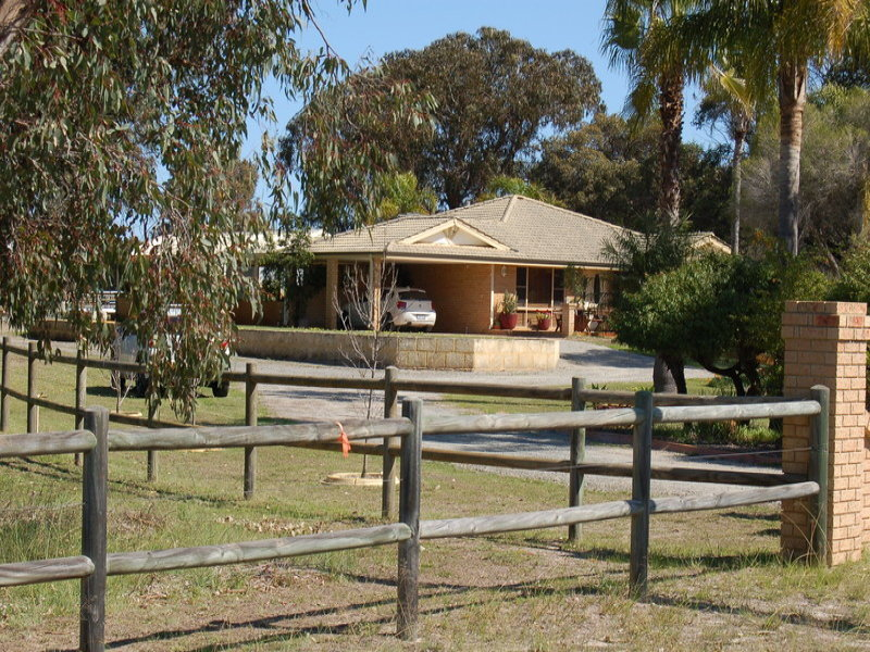 18 Lawson Road, Henley Brook, WA 6055