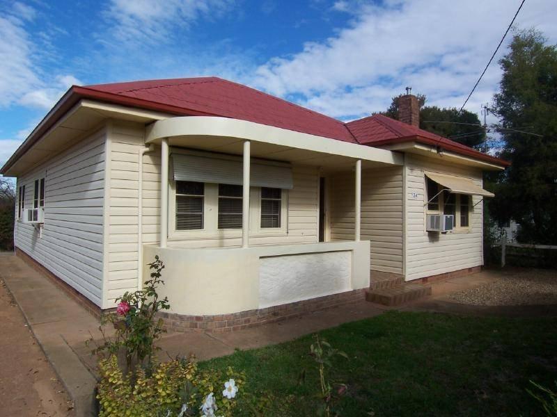 34 Crown Street, Cootamundra, NSW 2590