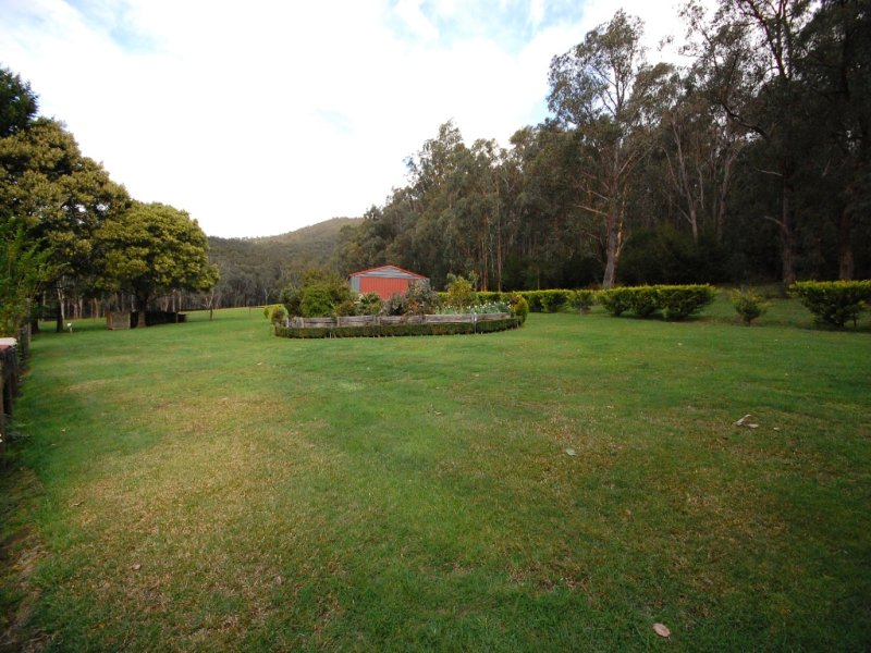 1780 Woods Point Road, McMahons Creek, Vic 3799