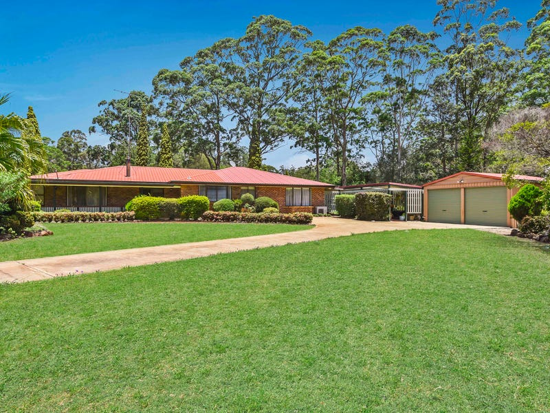 12 Forest Road, Highfields, Qld 4352