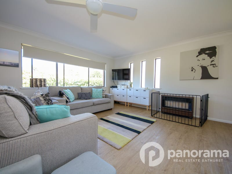 2 Mooney Valley Place, West Bathurst, NSW 2795