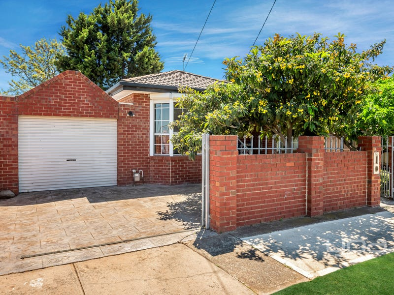1445 Pascoe Vale Road, Meadow Heights, Vic 3048