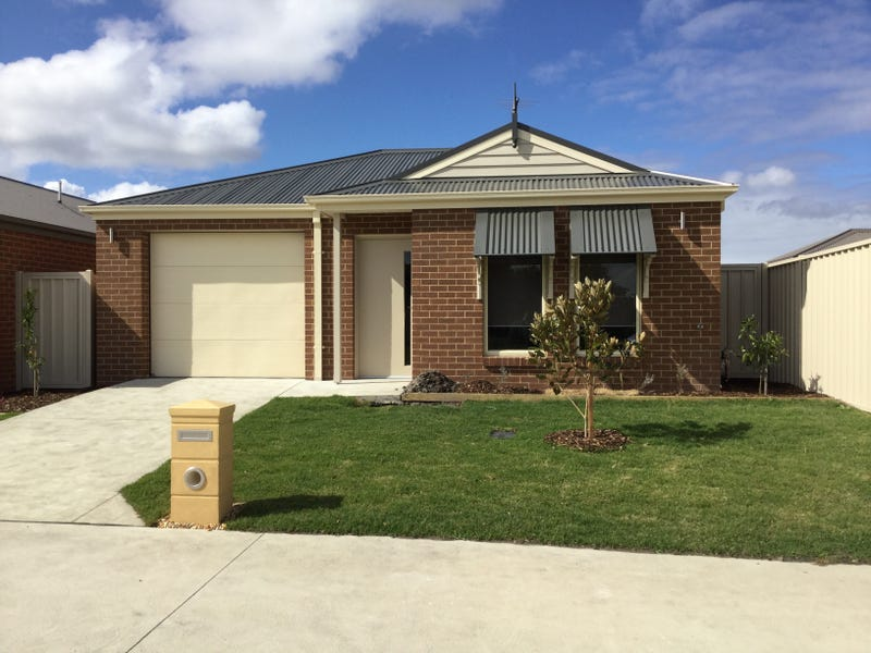 13 St Gwinear View, Moe, Vic 3825