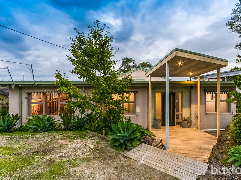 29 Reigate Road, Highton, Vic 3216