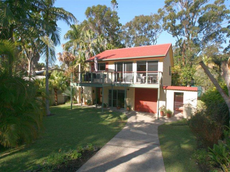 20 Lakeside Crescent, Elizabeth Beach, NSW 2428