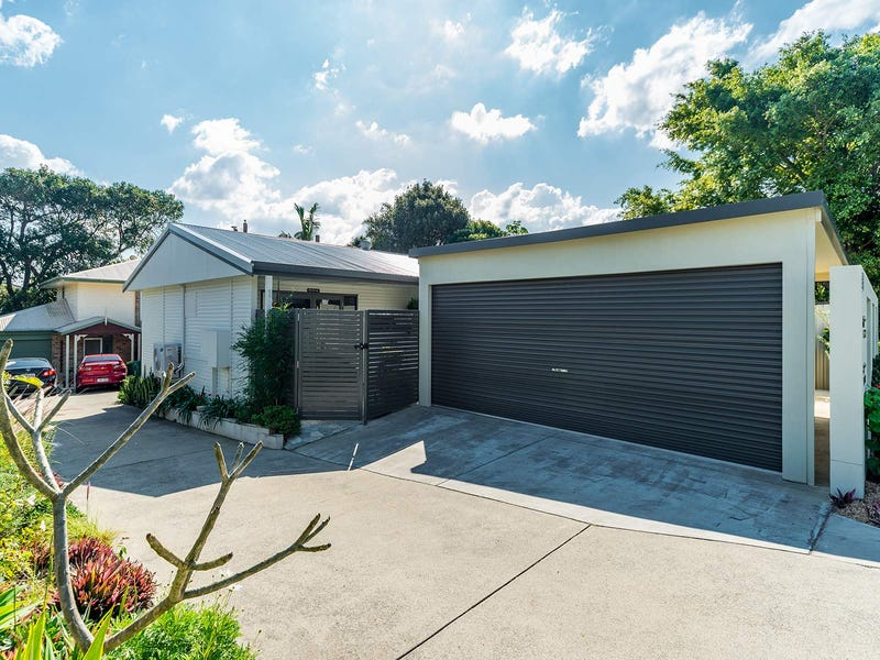 1/8 Billington Street, Labrador, Qld 4215