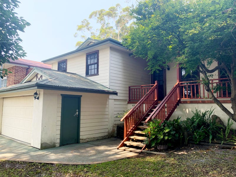 84 Lakin Street, Bateau Bay, NSW 2261
