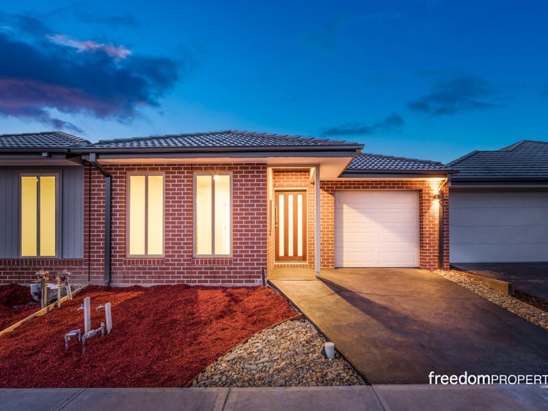 21 Swallowtail Avenue, Clyde North, Vic 3978