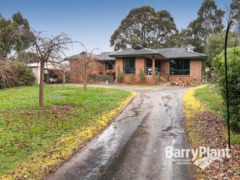 422 Paternoster Road, Mount Burnett, Vic 3781