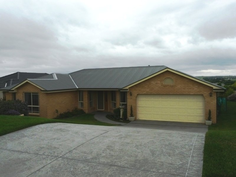 9 Howarth Close, Bathurst, NSW 2795