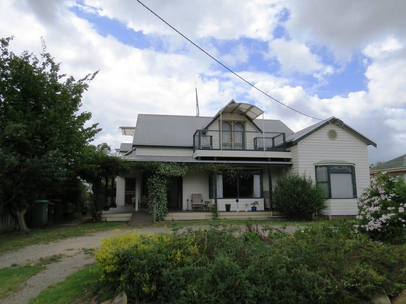 9 Robb Street, Bairnsdale, Vic 3875