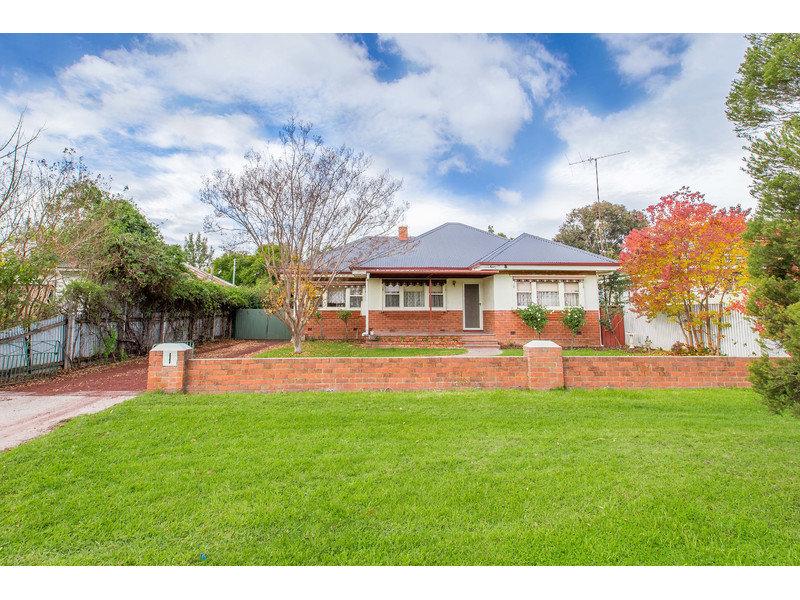 210 Olive Street, South Albury, NSW 2640