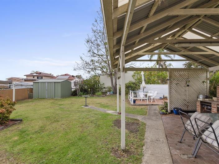 15 Winton Place, Fairy Meadow, NSW 2519
