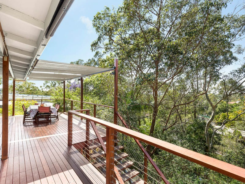 12 Hutton Road, Arana Hills, Qld 4054