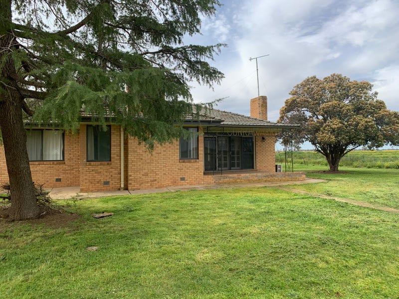 Currawarra, Mayrung Rd, Deniliquin, NSW 2710