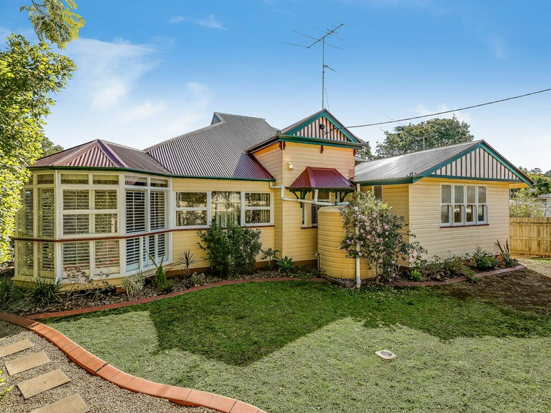 9 Clyde Street, Mount Lofty, Qld 4350