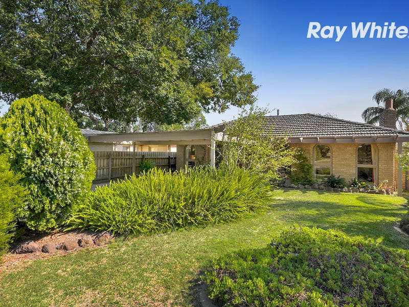 12 Golf Links Crescent, Dingley Village, Vic 3172