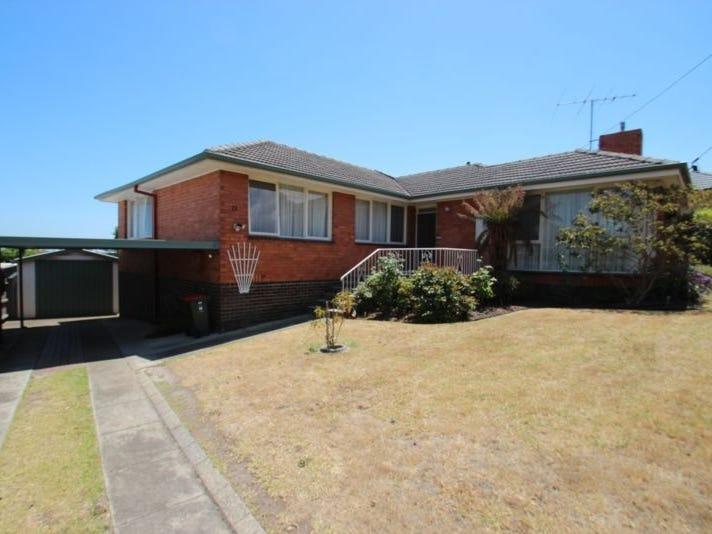 11 Sunnyside Road, Mount Waverley