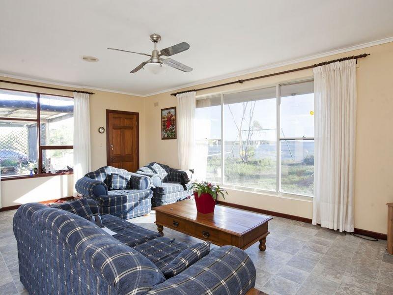 1615 Esplanade, Middle Beach, SA 5501