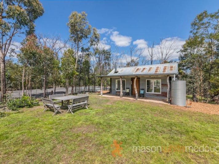 60 Jacksons Rd, St Andrews, Vic 3761
