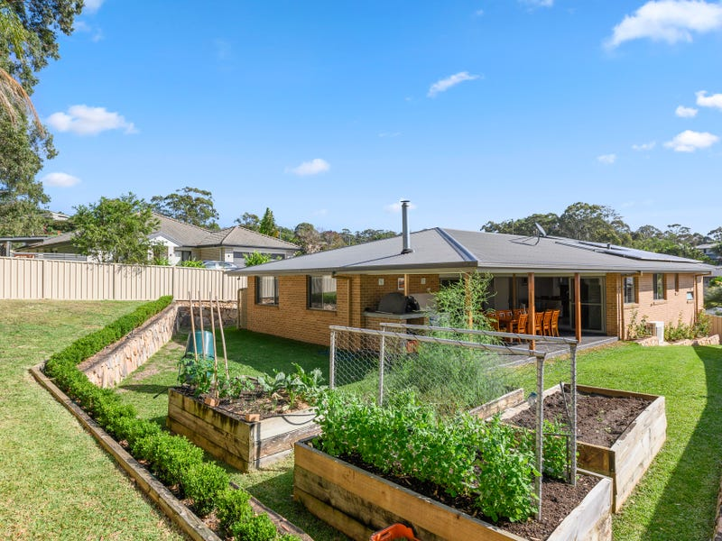 5 Beachcomber Close, Safety Beach, NSW 2456