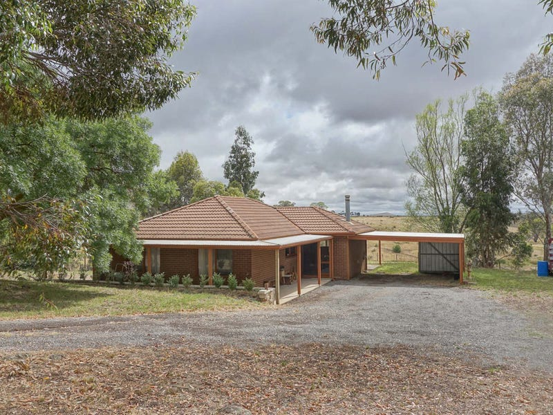 75 Worsley Road, Clunes, Vic 3370