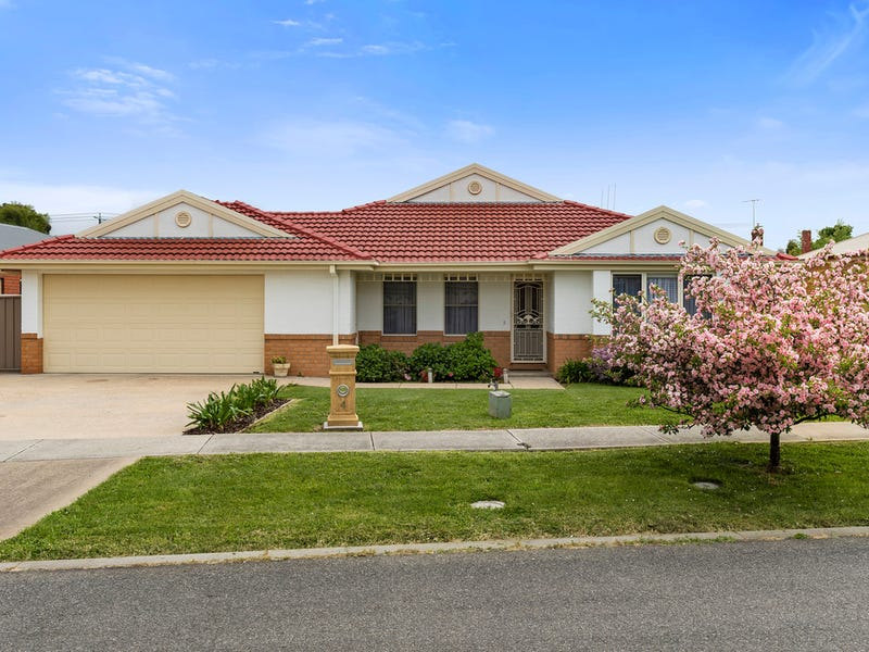 4 James Court, Kyneton, Vic 3444