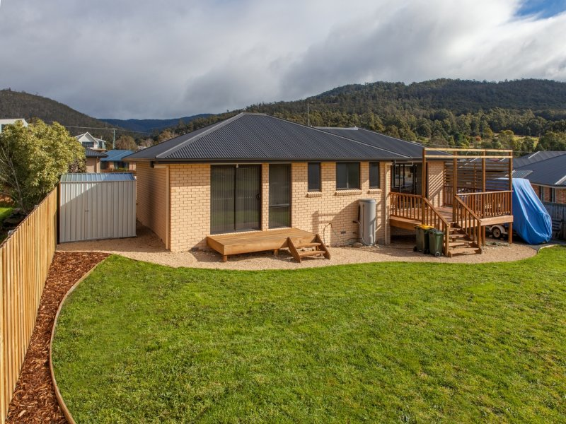 6 Riverstone Close, Snug, Tas 7054