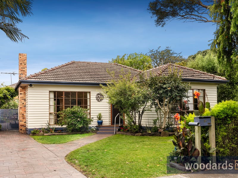 27 Parkmore Road, Bentleigh East, Vic 3165