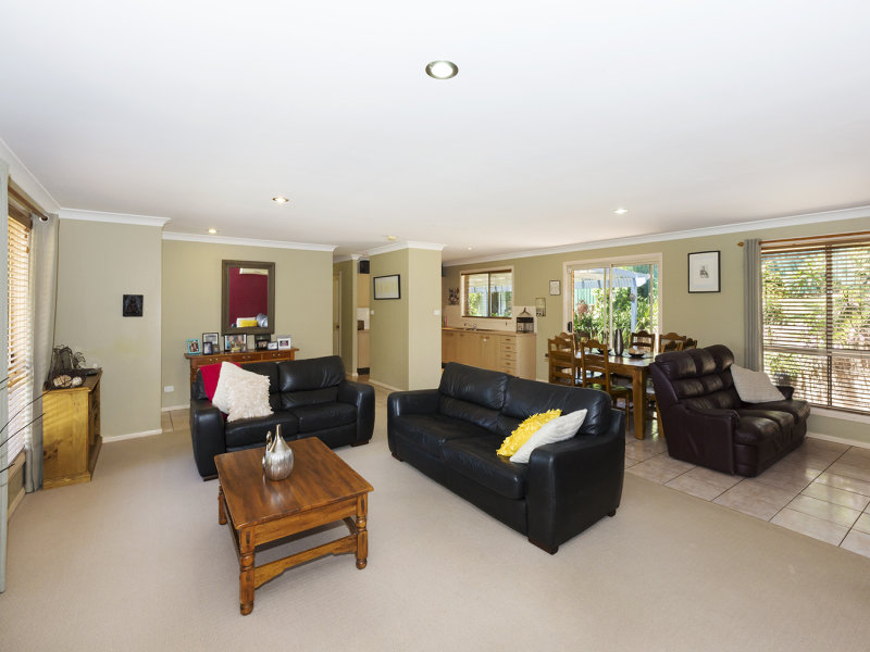 45 Cooroy Crescent Yellow Rock Nsw 2777 Property Details