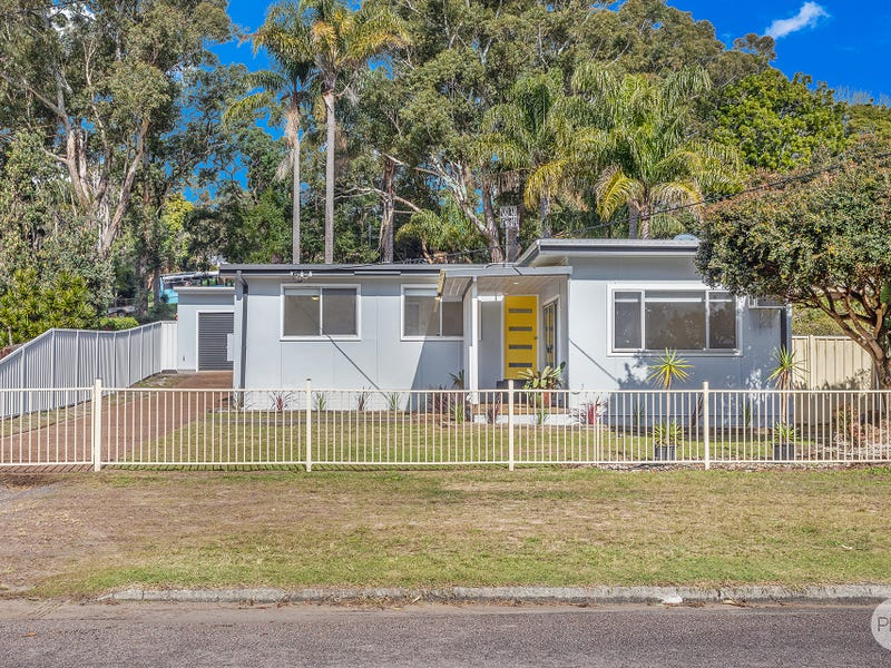 17 Wahgunyah Road, Nelson Bay, NSW 2315