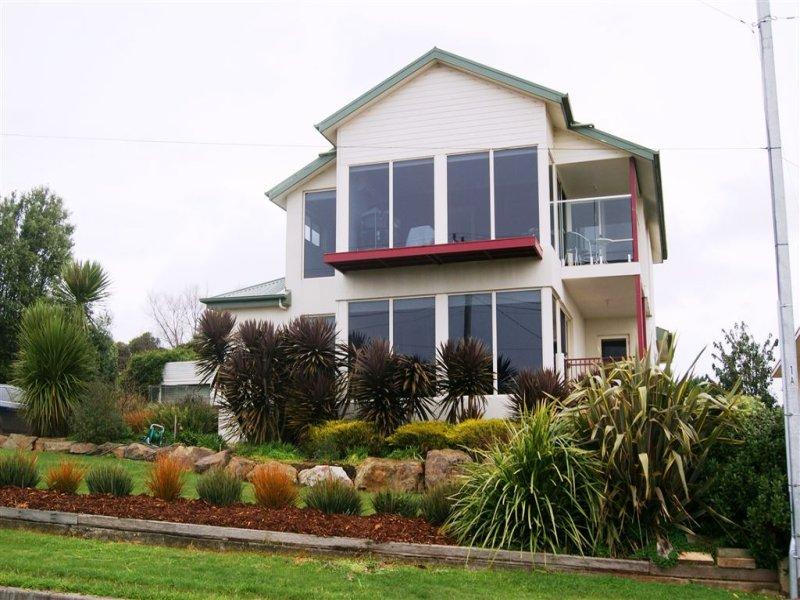 17 Hill Street, Smithton, Tas 7330