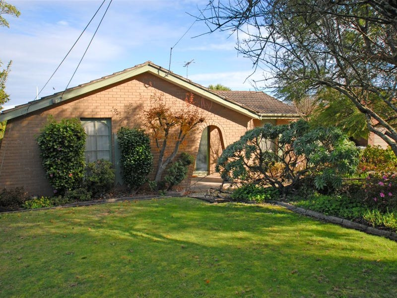 38 The Deviation, Wheelers Hill