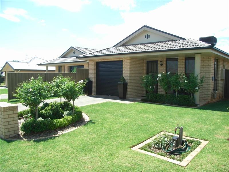 4B John Brass Place, Dubbo, NSW 2830
