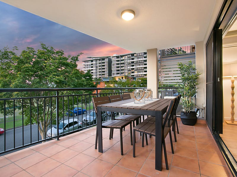 36/55 Harries Road, Coorparoo, Qld 4151
