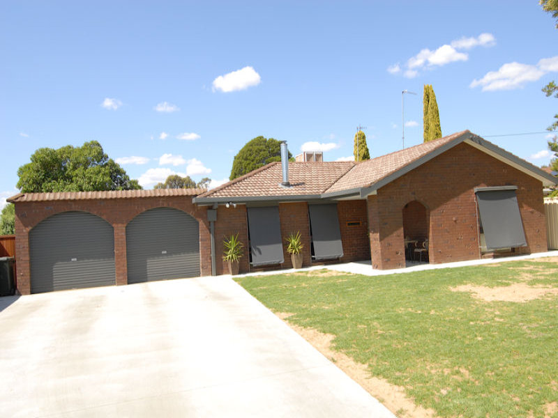 2 GILLESPIE COURT, Deniliquin, NSW 2710