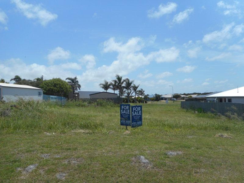 7 Marian Street, Coral Cove, Qld 4670