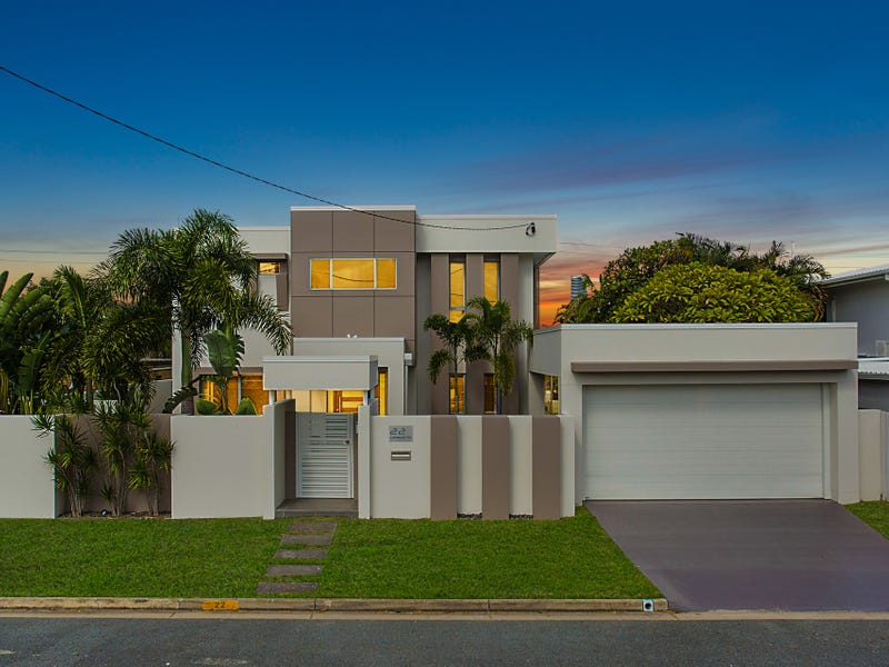 22 Lakeside Avenue, Broadbeach Waters, Qld 4218