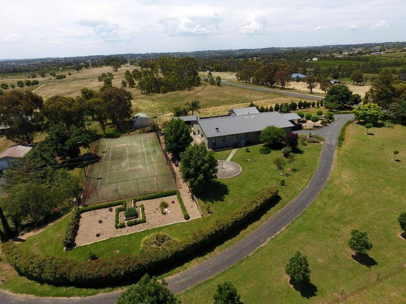 200 Back Creek Road, Young, NSW 2594
