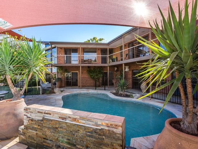 5 Olive Pink Grove, Desert Springs, NT 0870