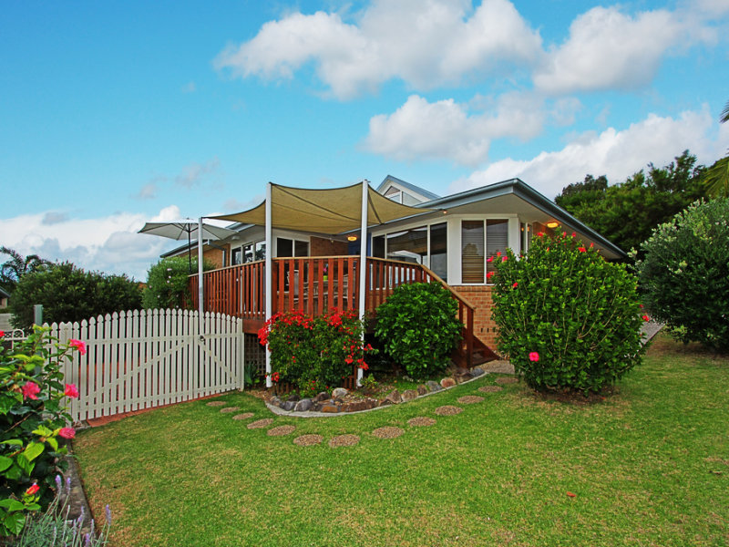 3 Blaxland Crescent, Sunshine Bay, NSW 2536