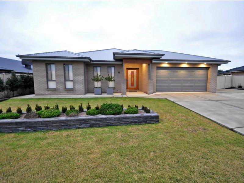 37 Loughan Road, Junee, NSW 2663