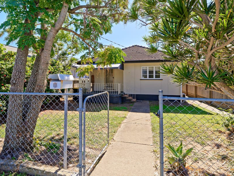 8 Fifth Avenue, Scarborough, Qld 4020